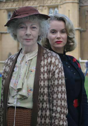 marple-geraldine-mcewan-and-amanda-holden-in-4-50-from-paddingtonjpg